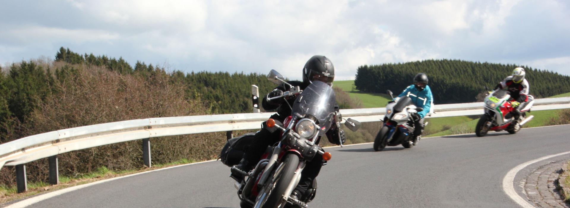 Motorrijbewijspoint Hoenderloo spoedopleiding motorrijbewijs